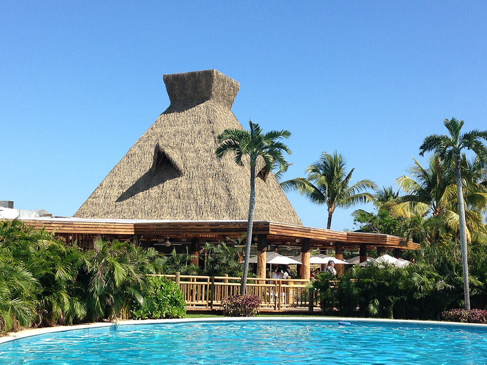 Synthetic Thatch Roofs For Hotels And Resorts